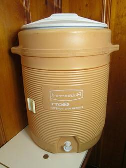Gott Rubbermaid 10 Gallon Insulated Water Cooler Jug Spigot